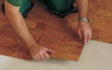 Korková podlaha pokládka