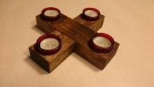 Adventní kříž na  čajové svíčky v misce