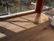 Tesaná podlaha interier 1