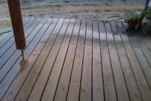 Dubové terasové podlahy hladký povrch přechod