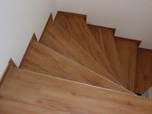 Vinyl schody točité