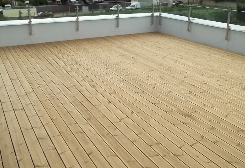 https://www.cwo-wood.cz/sites/default/files/tepelne-upravena-finska-borovice-thermowood-tepelne-zpracovane-modifikovane-drevo-terasy-13.jpg
